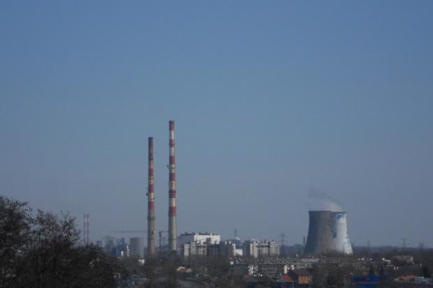 W Krakowie rusza rozbiórka 225-metrowego komina