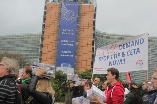Demonstracje w europejskich miastach przeciwko umowom TTIP i CETA