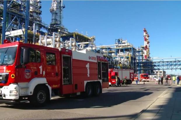 Ćwiczenia służb ratowniczych w Lotosie