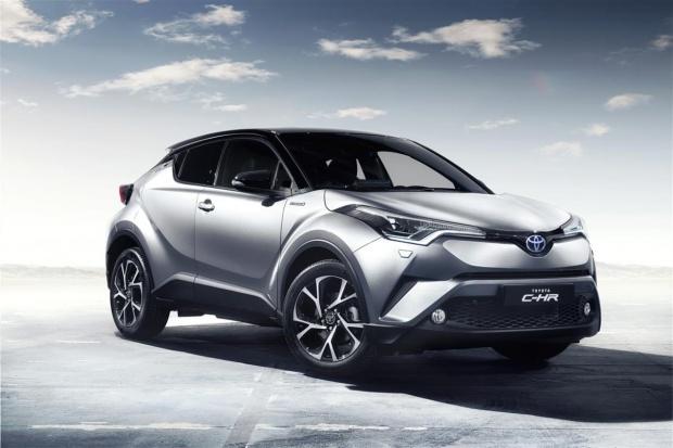 Toyota C-HR przeciera szlaki internetowej sprzedaży