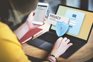 Firmy Huawei i Tencent upomniane ws. ochrony prywatności