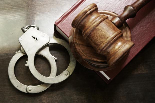 Prokuratura skarży decyzje o aresztach ws. wyłudzeń VAT od paliw