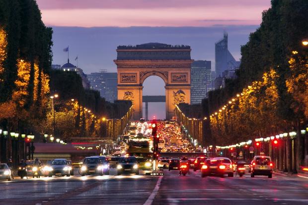 Polski kierowca został napadnięty i obrabowany pod Paryżem