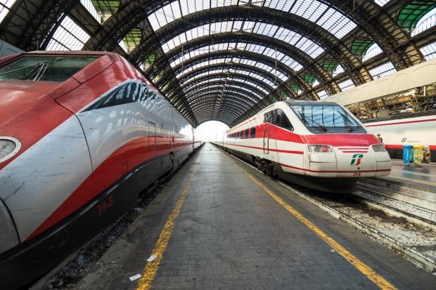 Pożar unieruchomił szybkie pociągi. Mówi się o podpaleniu
