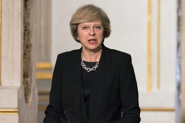 Parlament upoważnił premier May do wszczęcia procedury Brexitu