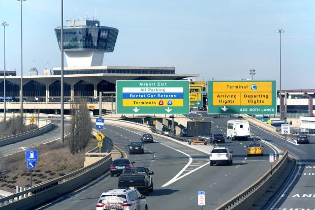 Prezes LOT w Kanadzie: więcej połączeń oraz nowe lotnisko