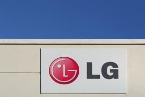 LG traci na komórkach, ratunkiem będą części samochodowe?
