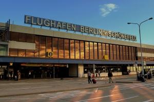 Niemcy zaostrzają środki bezpieczeństwa na lotnisku w Berlinie