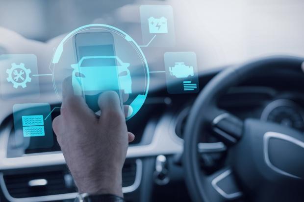 Świetlana przyszłość samochodów włączonych do sieci