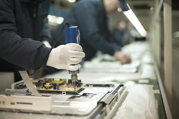 Delikatny spadek produkcji przemysłowej w kwietniu