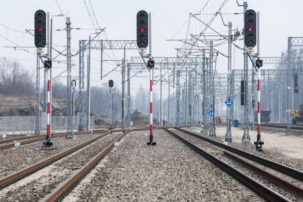 Trakcja, Comsa, ZUE i Strabag bliskie kolejowego kontraktu za 373 mln zł