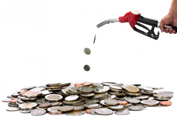 """Resort finansów podsumowuje pierwsze efekty """"pakietu paliwowego"""""""