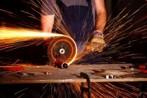GUS: styczniowa poprawa ocen koniunktury w przemyśle