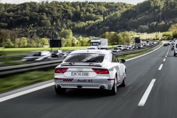 Autonomiczne jazdy Audi na odcinku doświadczalnym