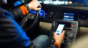 Uruchomili system wykrywający korzystanie ze smartfona w aucie