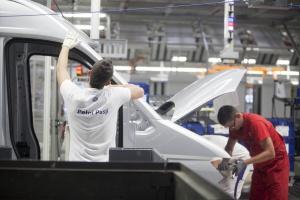 Volkswagen będzie produkował elektrycznego Craftera we Wrześni