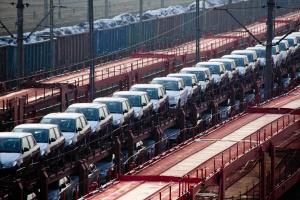 Kolej przejmie dalsze partie ładunków z samochodów