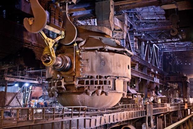 ArcelorMittal w Dąbrowie Górniczej wymienia konwertor tlenowy