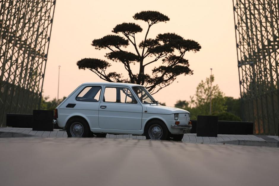 """Zdjęcie numer 5 - galeria: """"Maluch"""", """"kaszlak"""", czyli Fiat 126p. Oto legenda polskiej motoryzacji"""
