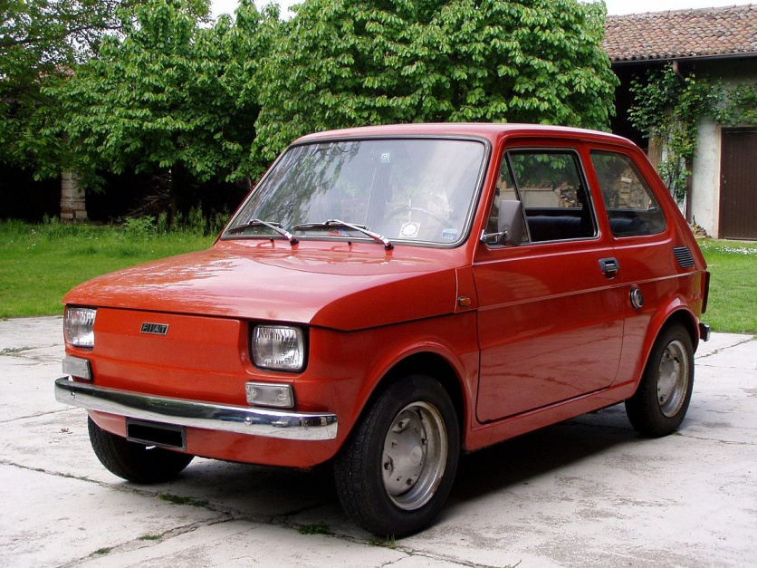 """Zdjęcie numer 3 - galeria: """"Maluch"""", """"kaszlak"""", czyli Fiat 126p. Oto legenda polskiej motoryzacji"""
