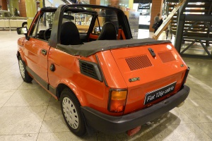"""Zdjęcie numer 7 - galeria: """"Maluch"""", """"kaszlak"""", czyli Fiat 126p. Oto legenda polskiej motoryzacji"""