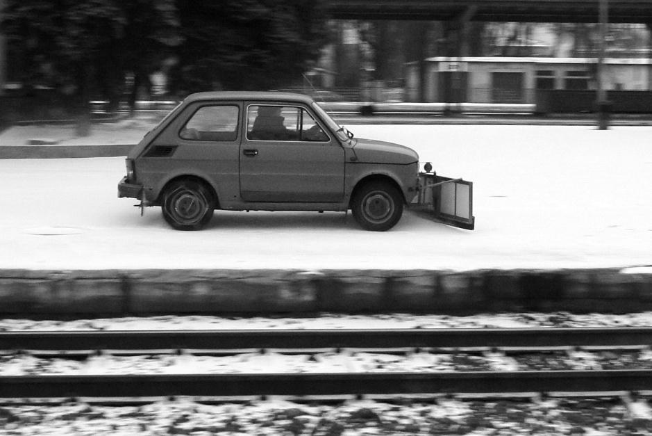 """Zdjęcie numer 9 - galeria: """"Maluch"""", """"kaszlak"""", czyli Fiat 126p. Oto legenda polskiej motoryzacji"""