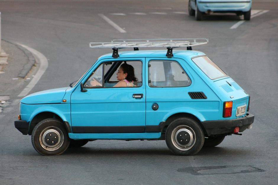 """Zdjęcie numer 14 - galeria: """"Maluch"""", """"kaszlak"""", czyli Fiat 126p. Oto legenda polskiej motoryzacji"""