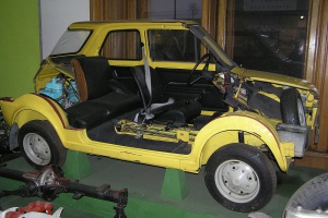 """Zdjęcie numer 15 - galeria: """"Maluch"""", """"kaszlak"""", czyli Fiat 126p. Oto legenda polskiej motoryzacji"""
