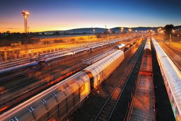 Przewozy towarów koleją nadal jadą w dół
