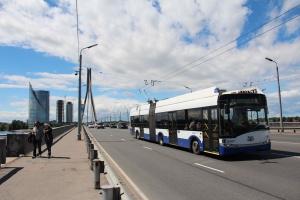 Solaris dostarczy przegubowe trolejbusy na wodór dla Rygi