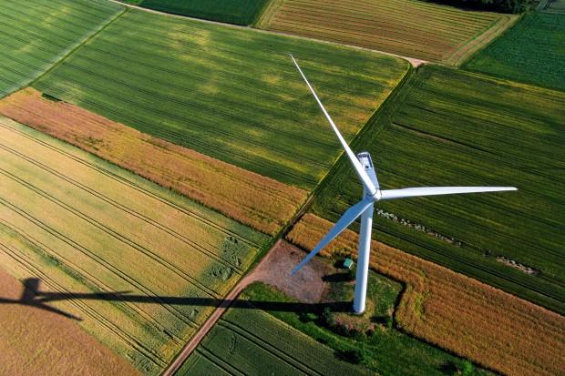 Nowelizacja przepisów o OZE. Jaka odległość domu od działającego wiatraka?