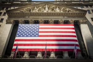 Lekkie wzrosty na Wall Street po zaprzysiężeniu Trumpa