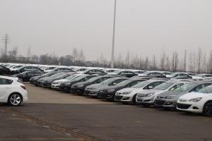 Coraz więcej aut w wynajmie