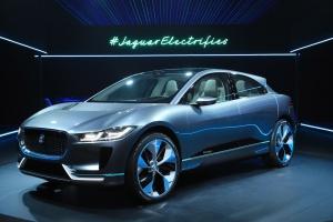 Jaguar Land Rover czeka z decyzją o produkcji na brexit