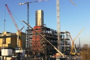 Zamontowano walczak na budowie elektrociepłowni w Zabrzu