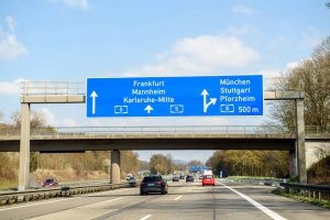 Opóźnienie w wejściu myta na niemieckich autostradach