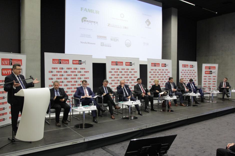 W Katowicach 25 listopada o głównych problemach, z jakimi boryka się dziś sektor węglowy, rozmawiali uczestnicy konferencji Górnictwo 2016. Fot. PTWP (Michał Oleksy).