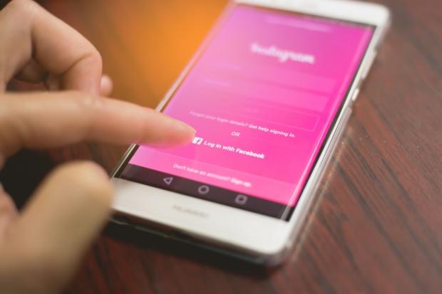 Jedynie chińskie firmy zwiększają udziały na rynku smartfonów