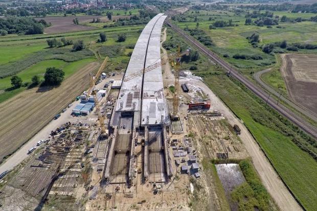 Na drodze ekspresowej S5 powstaje 748-metrowy most