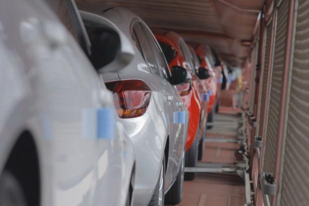 Liczba rejestracji nowych aut wciąż rośnie