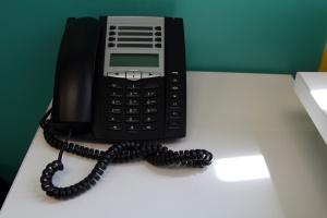 Telefony stacjonarne wciąż popularne, ale w wersji internetowej