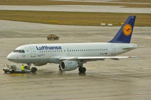 Awaryjne lądowanie samolotu Lufthansy w Krakowie