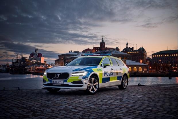 Volvo V90 - policjantem