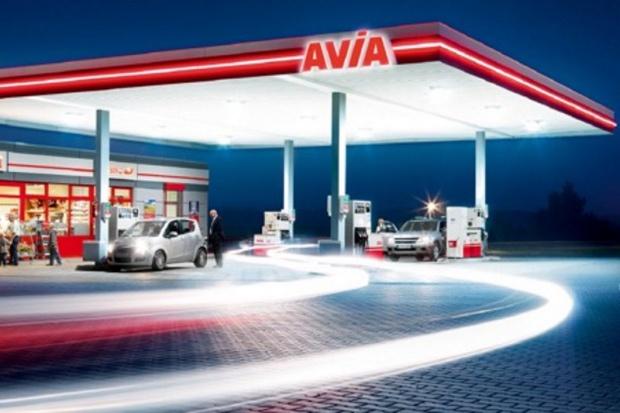 Unimot chce mieć sieć 100 stacji z logo Avia
