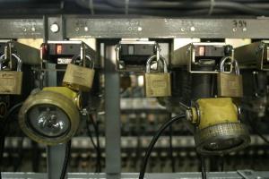 Górnicza spółka testuje nowe technologie do łączności na dole kopalni