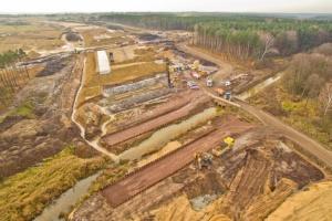 Budowa A1 Pyrzowice-Woźniki zaawansowana w 40 proc. Ostatnie prace przez zimową przerwą [Wideo]