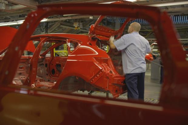 Pracownicy Opla: umowa z PSA przewiduje poszanowanie obecnych umów