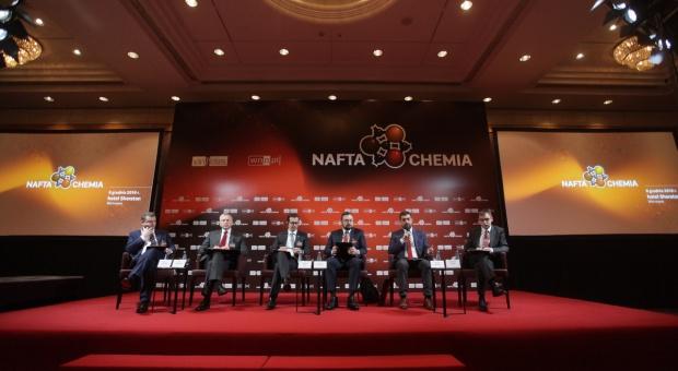 Nafta/Chemia 2016: Innowacje, inwestycje, reakcje. Czas przeobrażeń w polskiej  chemii