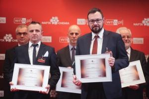 Prof. Piotr Młynarz - prodziekan ds. ogólnych, Wydział Chemiczny, Politechnika Wrocławska, i Igor Korczagin - dyrektor R&D PCC Rokita SA. Fot. PTWP (Paweł Pawłowski)