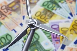 Prezes ING BŚ: banki zostały pozostawione same sobie z problem finansowania OZE